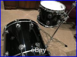 Dw collectors black drum set
