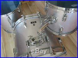 Vintage PEARL Schlagzeug / Drumset / Shellset 22 12 16 / Satin Silver Flash