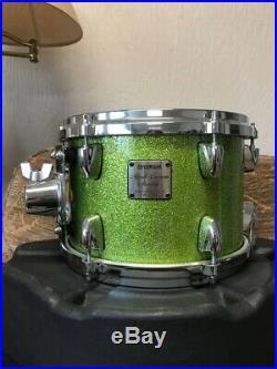 Yamaha Maple Custom Absolute Drum Set In White Grape Sparkle Finish
